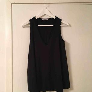 Topp från Zara Storlek S Färg svart