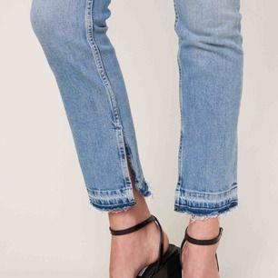 Säljer dessa ginatricot jeans i storlek 34/XS för att jag tyvärr inte fått någon användning för dom. Helt oanvända och prislappen finns fortfarande kvar. Ny pris : 599kr