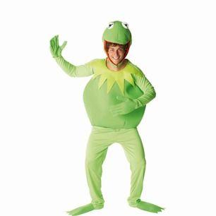 bästa halloween kostymen, allt finns med: överdel, underdel och hatt. älskar denna jätte mycket, och man lär ju lätt vinna bästa halloween kostym.  kostade 800kr ny, och är helt fläckfri, i princip ny:) pris kan diskuteras <333