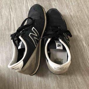 Skor från New Balance, använda men i bra skick!☺️