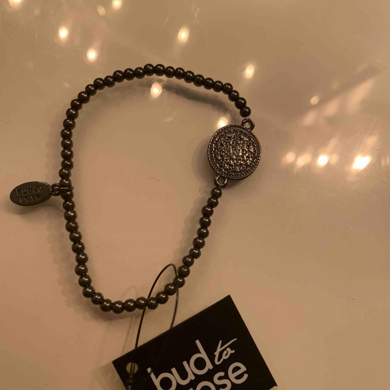 Jättefint armband från bud to rosé! 💓 Lapp kvar!!! Nypris runt 250:) Bjuder på frakten 💕. Accessoarer.