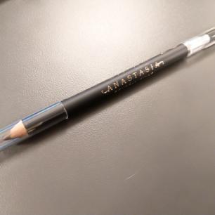 Anastasia Beverly Hills Perfect Brow Pencil. Helt ny! Färg: Taupe. Köparen står för frakten.