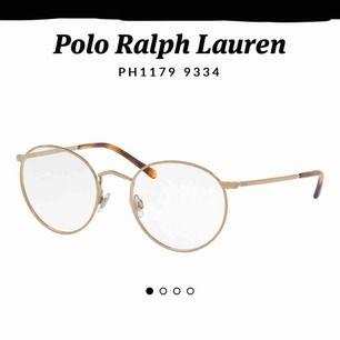 Ett par snygga äkta Ralph Lauren glasögon i bra skick! ( läsglasögon)  mycket BILLIGT att byta glas online
