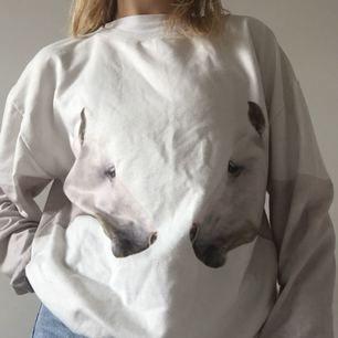 💕Jättegullig sweater från Lovalot! 💕Jag är en storlek XS för referens!  Köparen står för frakt.
