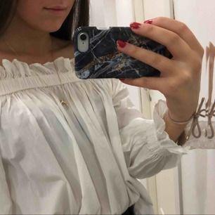 Fin blus från Gina oanvänd säljer pga platsbrist🌸