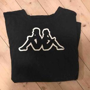 Oversized kappa-tshirt i bra skick! Köpt i Paris för ca 1 år sedan