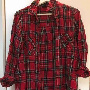 Mjuk och gosig skjorta från Gina, jag har haft den oversized (är xs)