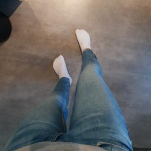 Ljusa jeans från gina tricot