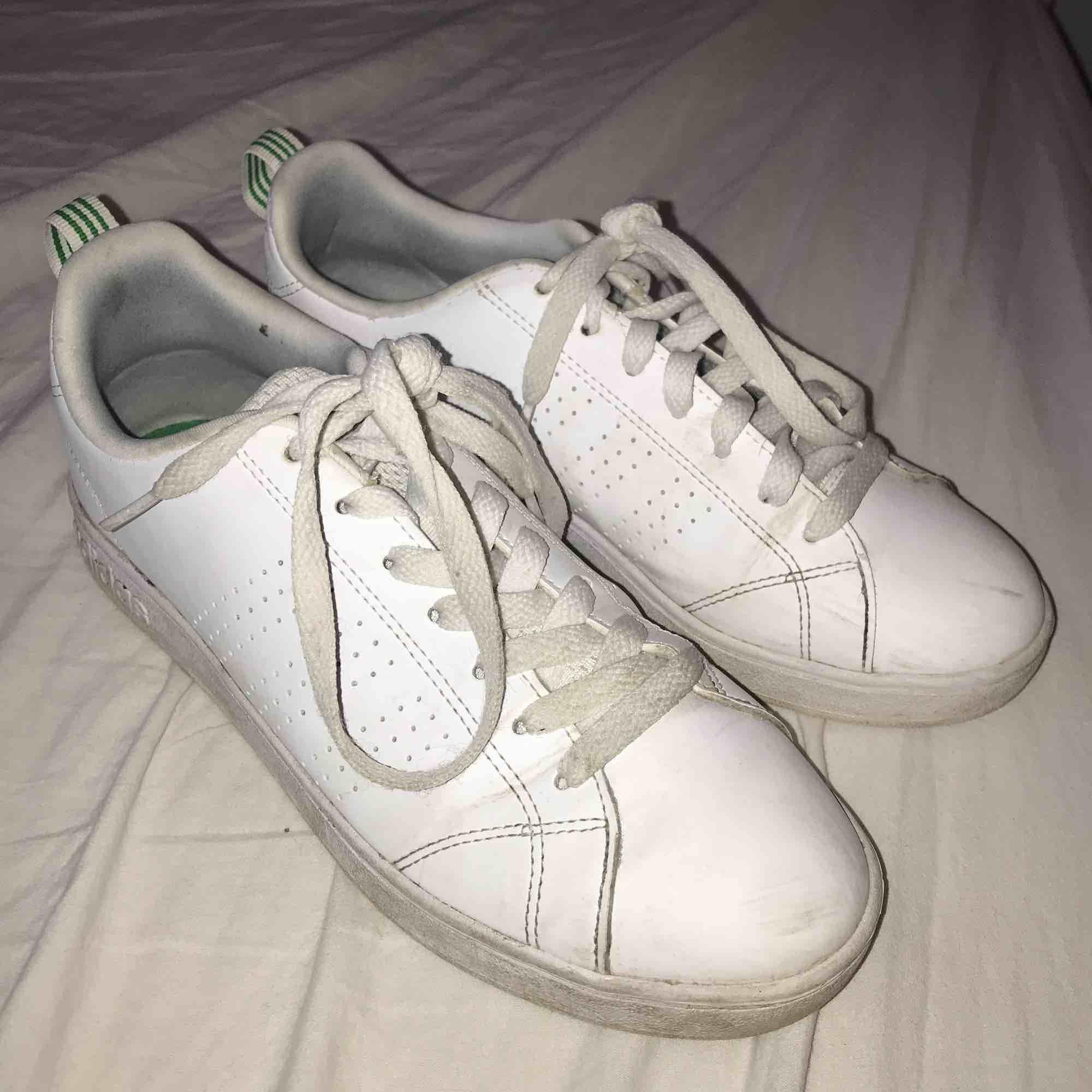 online retailer 9ca47 1e789 Adidas Neo skor. Säljer dom för att jag knappt använder dom.