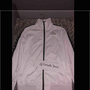 Säljer en kappa Zip Crew Så gott som ny! UNISEX M
