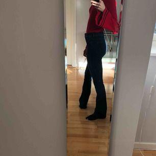 Jeans från H&M i gott skick.   Kolla gärna in mina andra annonser!