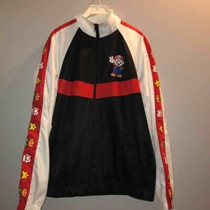 Super mario windbreaker