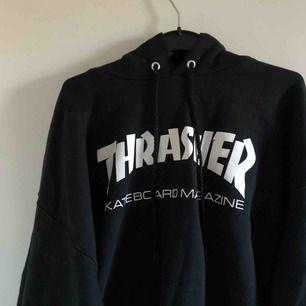 Avart Thrasher hoodie, köpt på caliroots för 949kr, använd typ 5 gånger, köpt för ca en månad sen. Nyskick