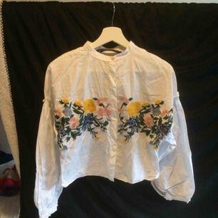 Broderad skjorta från zara! Jag bjuder på frakten!