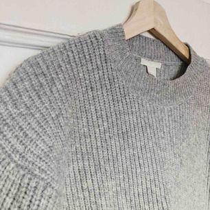 Mysig och varm tröja från H&M. Perfekt för vintern ☺️