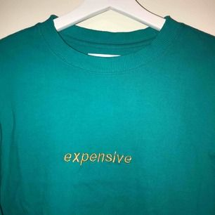 Långärmad tröja. Använd 1 gång. Köpare står för frakt!