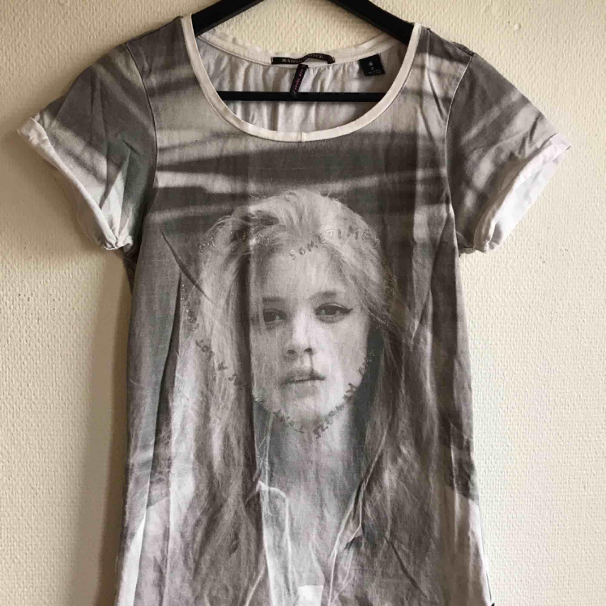 Använd Maison Scotch🌻 Alltid spårbar frakt🌻. T-shirts.