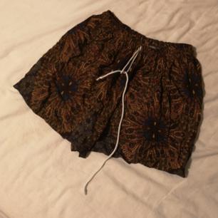 Shorts köpta på Öland roots, säljer pga att jag inte använder dem längre.