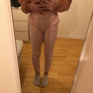 rosa mjukis byxor från wish frakt inräknad i priset