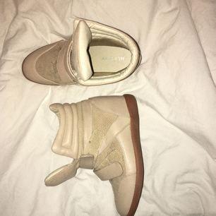 Liknande isabell marant skor, använda men fint skick!