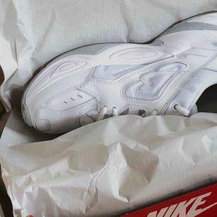 Nike M2K TEKNO sneakers köpta i somras, tror jag har låda. Fraktar ej!