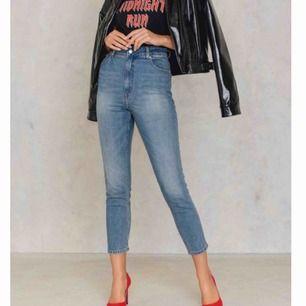 Donna penny blue jeans från Cheap Monday. Använda 1 gång