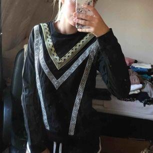 Superfin mönstrad tröja från Even odd, endast provad 😊 Strl S