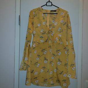Helt ny klänning från Boohoo