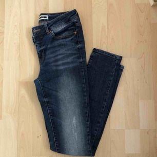 Snygga jeans från Noisy May. 🍁