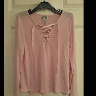 väldigt söt tröja från bubbelroom, köpt för ca 450 men knappt använd
