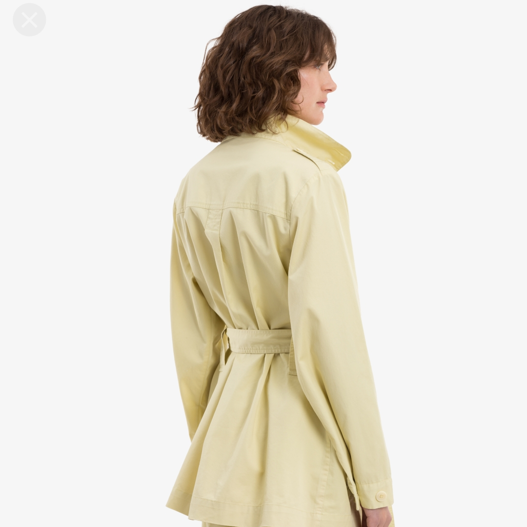 - Essa Yellow Dust - Never worn/aldrig använd - org.pris 2800 kr, pris kan diskuteras  - Möts i Stockholm eller fraktas. Jackor.