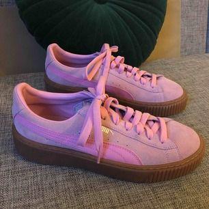 🎀 pretty in pink! aldrig använda puma platforms. 🎀 priset är inklusive frakt.