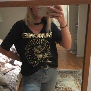 Såå ball oversized t-shirt ifrån Bershka. I mycket bra skick!💥💫