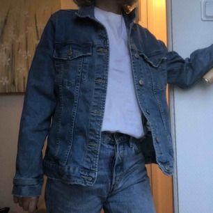 Jeans jacka från GinaTricot