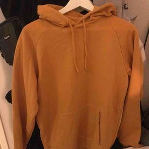 Säljer denna hoodie. Bra skick. Frakt ingår ej ☺️