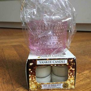 Doftljus från yankee candle och ljuslykta i nytt skick!  Perfekta julklappen!🎁