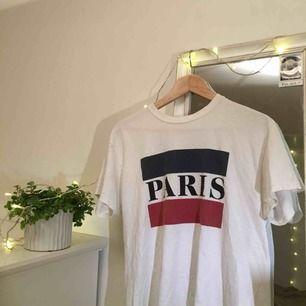 T-shirt från Brandy Melville, säljer pga använder tyvärr inte längre. Köparen står för frakt!