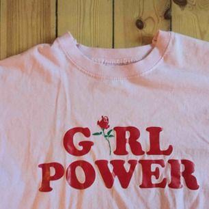Jättefin girlpower tröja! Köpt på secondhand👊💋
