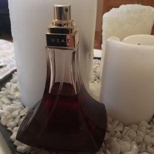 Snålt använd parfym. Beyoncé Heat🌸