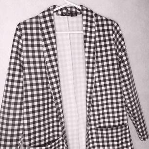 Checkered blazer från Boohoo, knappt använd :)   + 30kr frakt