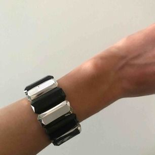 Armband 10kr  Frakt: 9kr