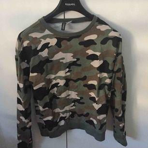 En vanlig tröja från HM som aldrig blev till använd o vill bli av med den