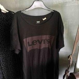 T-shirt från Levis 100kr+39kr frakt👚