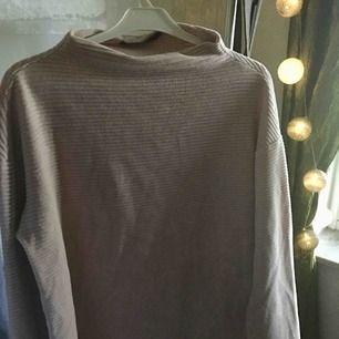 Mysig ljusrosa tröja från Bik bok Blir din för 150 + 39kr frakt! 💓🌸