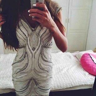 Uk 10 sequin dress klänning paljetter säljes pga stor för mig
