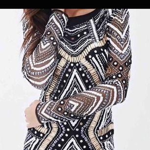 NY paljettklänning från forever 21 lite finare dyrare kollektion. Såå fin! dyr i inköp extra paljetter medföljer