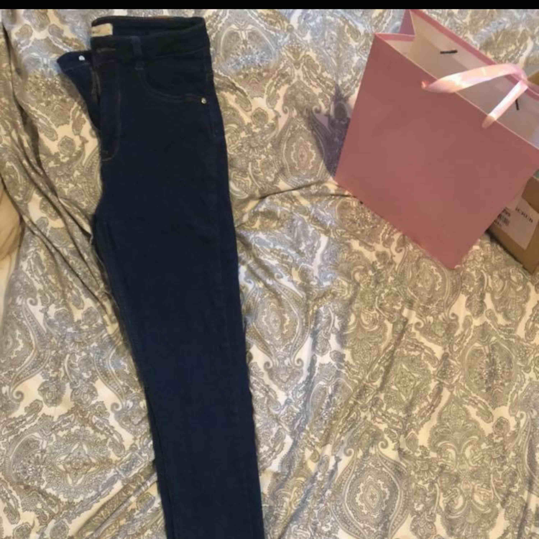 mörk blåa Molly jeans knapps använda highwaist stretch . Jeans & Byxor.