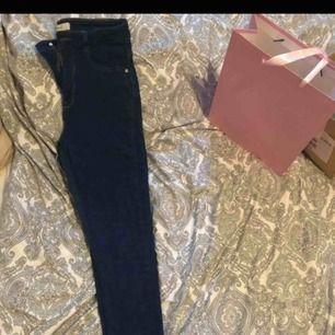 svarta Molly jeans knapps använda highwaist stretch