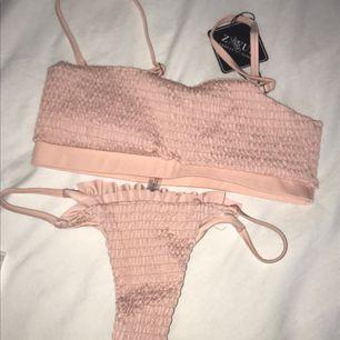 jättesöt ljusrosa bikini som tyvärr aldrig kommit till användning. passar XS, jag står för frakten!💗