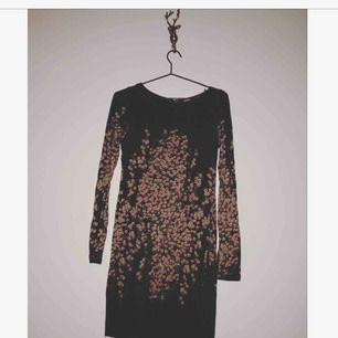 Söt klänning från indiska använd en gång